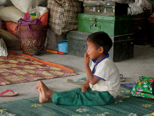 kachin refugee boy laiza