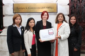 British opposition MP Valerie Vaz (2nd right) receives a petition from Burma Campaign UK. (PHOTO: BCUK)