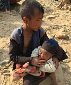 Child refugees displaced in the Kokang region.