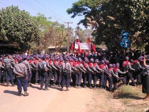 Police lines at the ongoing student sit-in it Letpadan (Photo: DVB)