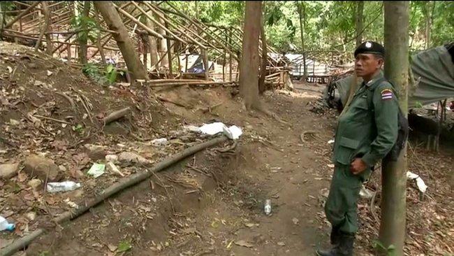 Thai police arrest nine more human traffickers