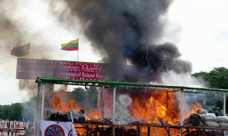 Burmese police mark anti-drugs day with bonfires