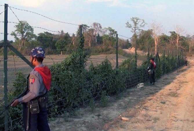Arakan border police arrested for drug possession