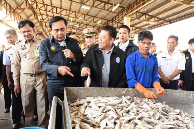 Thai PM hears Burmese migrant workers' concerns