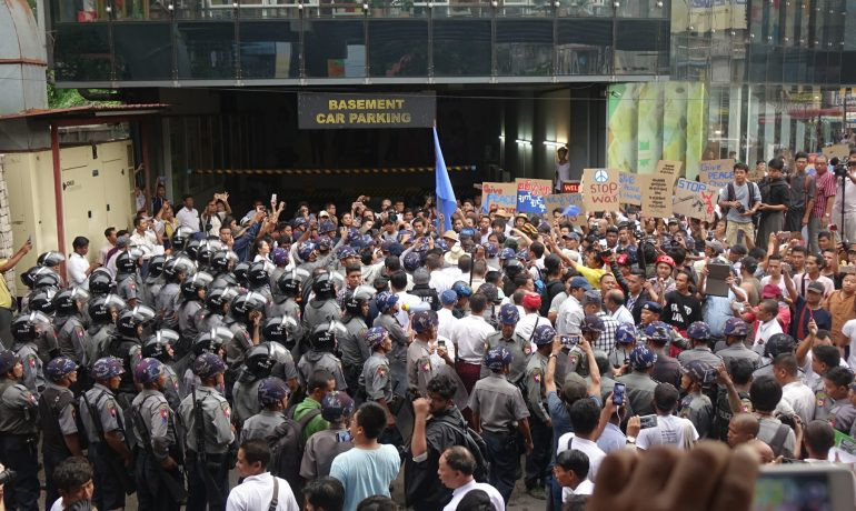 Hundreds of CSOs decry arrest of anti-war protesters