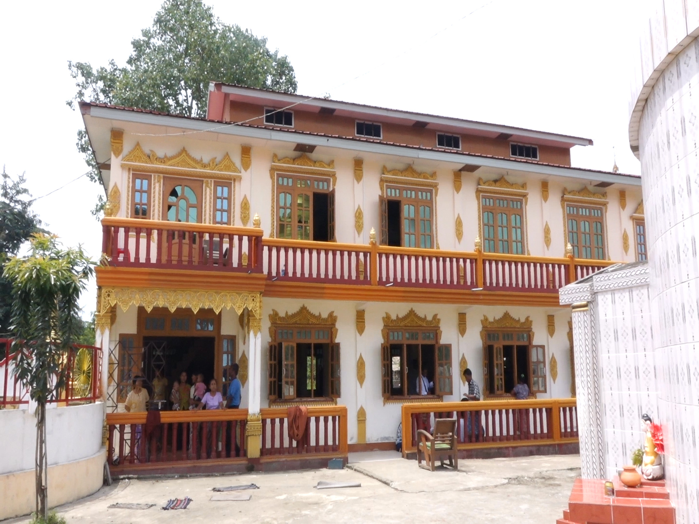 Rangoon abbot evicted from Dala monastery over ownership dispute
