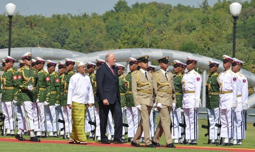 King Harald reaffirms Norway's support for Burmese reform