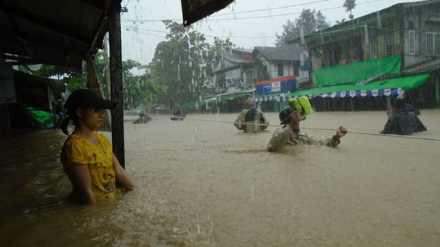 18 dead in Arakan floods, food aid shipped in by helicopter
