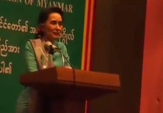 Suu Kyi addresses migrants in Mahachai