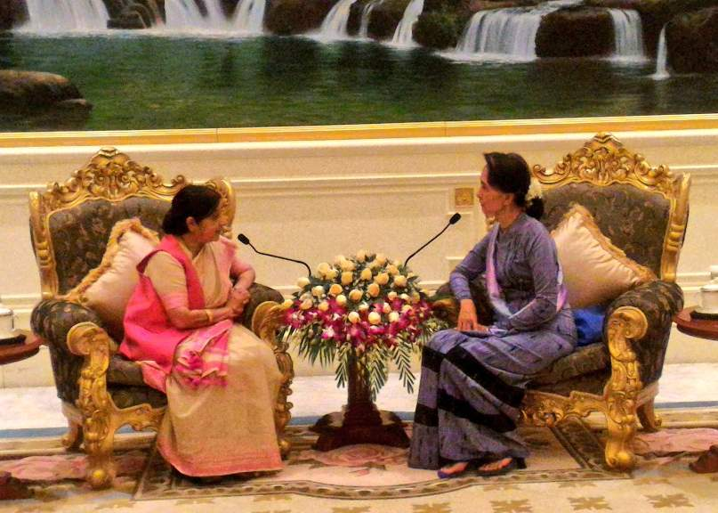 Indian FM in Burma amid reports of border incursion