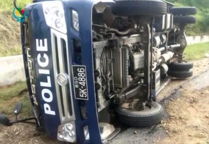 1 inmate killed as prison van crashes on Pegu highway