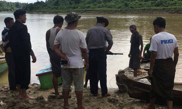 Police officer drowns in bid to stop loggers