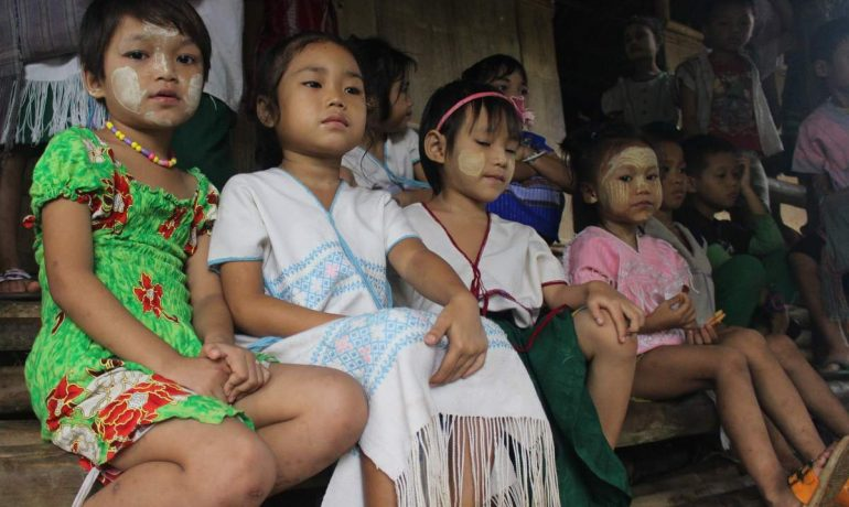 Stateless SE Asian 'legal ghosts' get nationality