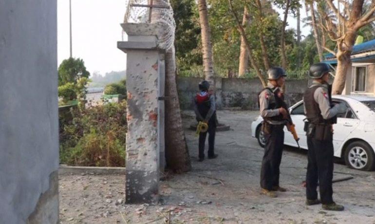 Three bombs rock Sittwe; policeman injured
